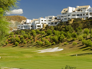 Spoedverkoop - Bargain luxe appartment golf resort Marbella Benahavis