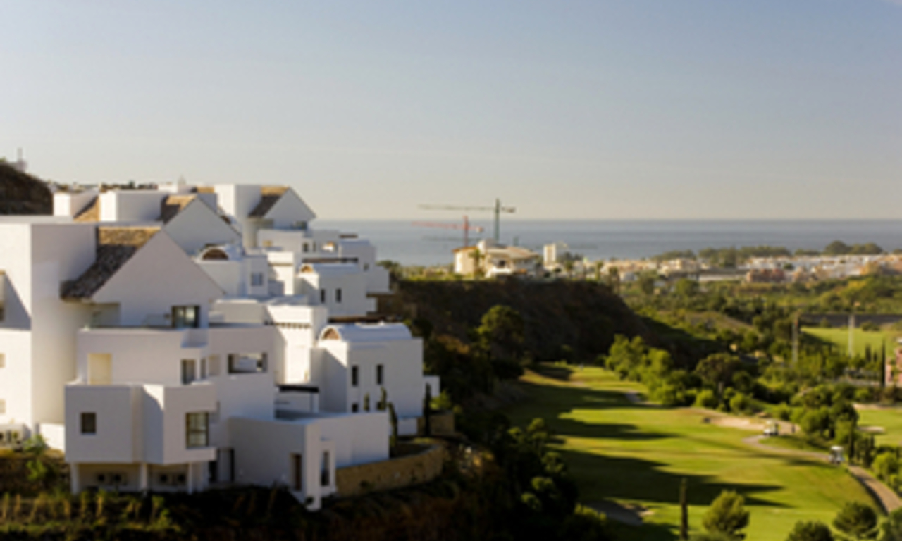 Spoedverkoop - Bargain luxe appartment golf resort Marbella Benahavis 1