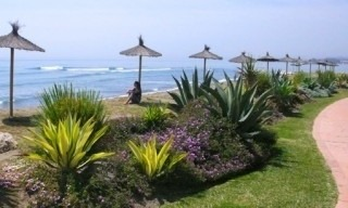 Marbella West for sale: frontline beach appartement te koop Marbella Estepona 6