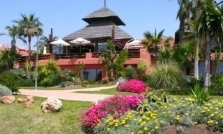 Marbella West for sale: frontline beach appartement te koop Marbella Estepona 11