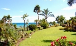 Marbella West for sale: frontline beach appartement te koop Marbella Estepona 3