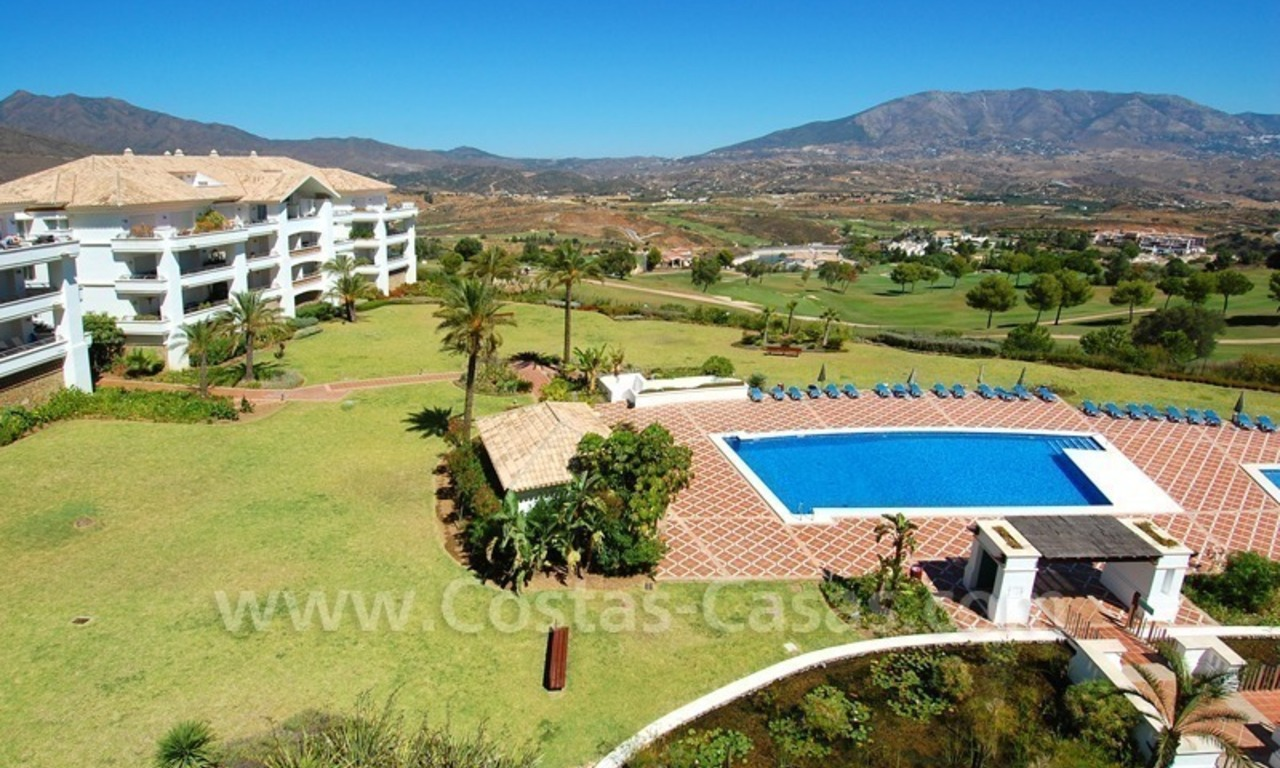Penthouse appartement te koop in Golfresort te Mijas, Costa del Sol 2