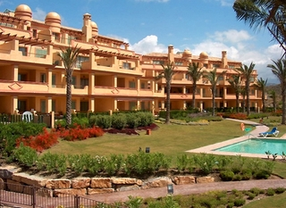 Golf appartement te koop in Four Seasons, Los Flamingos golf resort - Benahavis - Marbella - Estepona 1