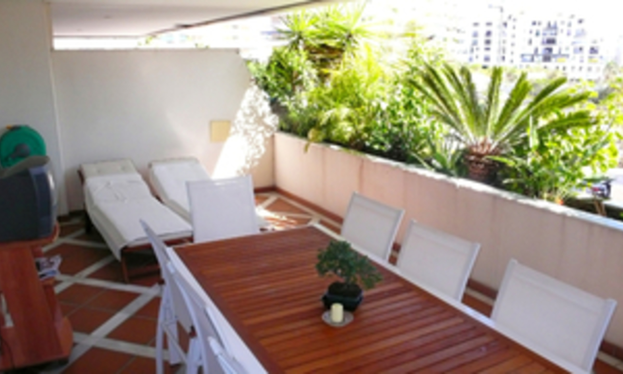 Luxueus appartement te koop in Puerto Banus, Marbella 14