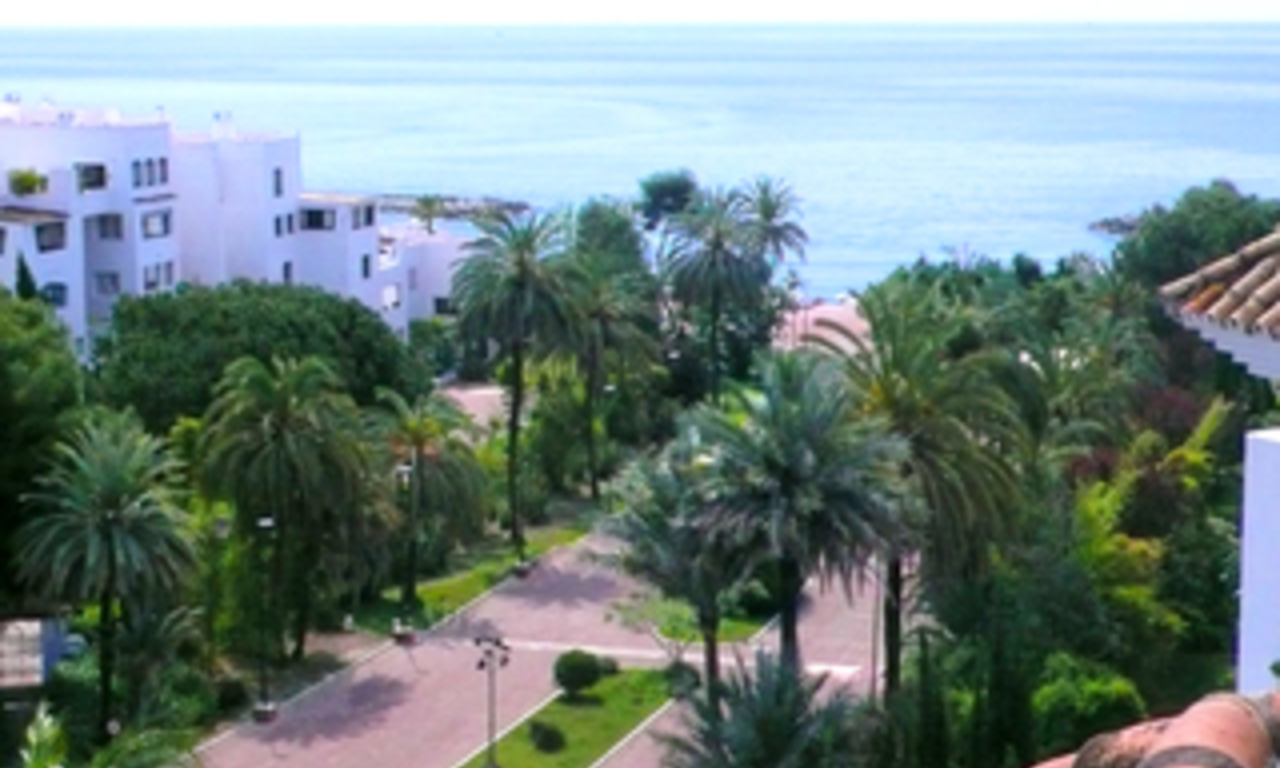 Beachside Penthouse appartement te koop, Puerto Banus, Marbella 0