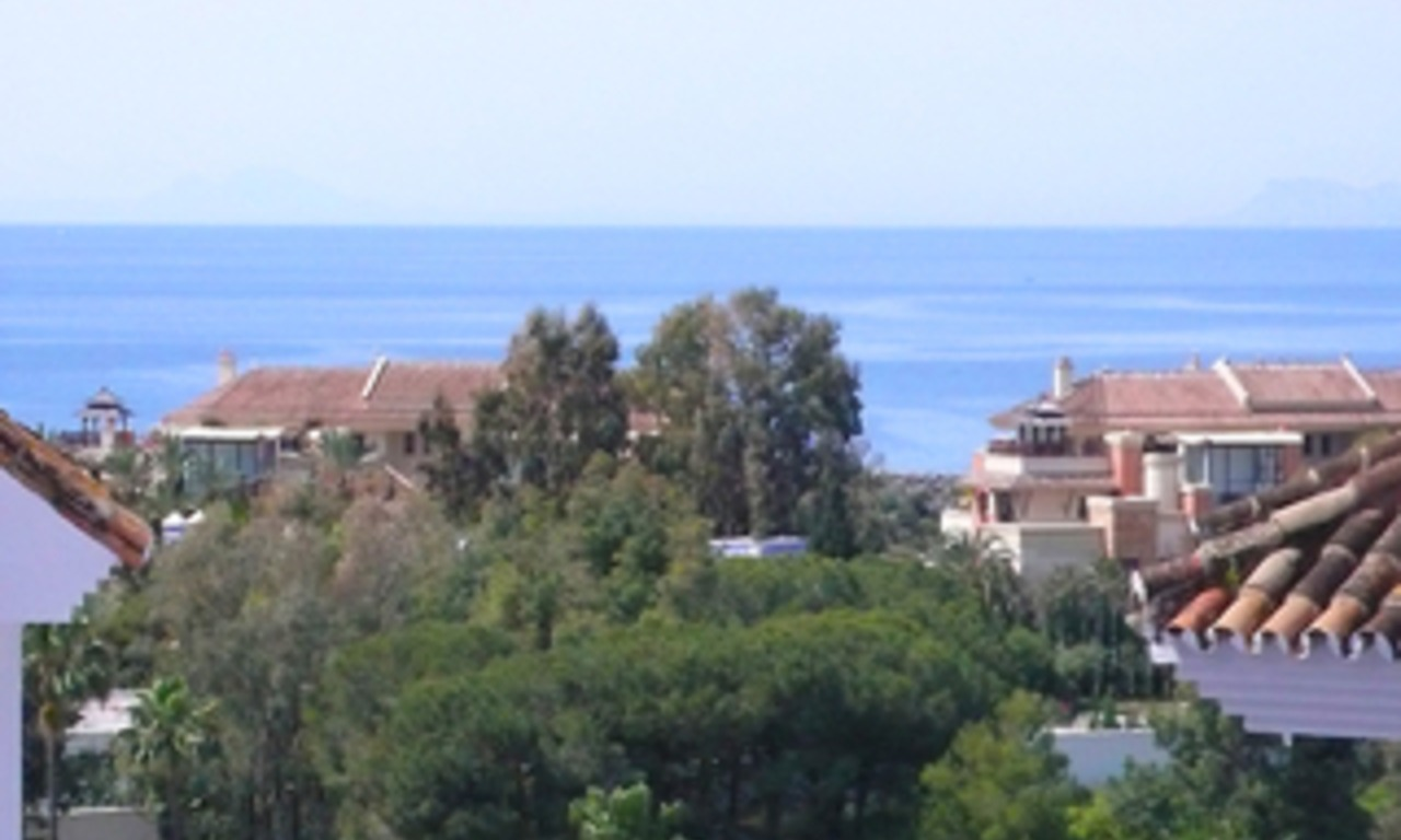 Beachside Penthouse appartement te koop, Puerto Banus, Marbella 1