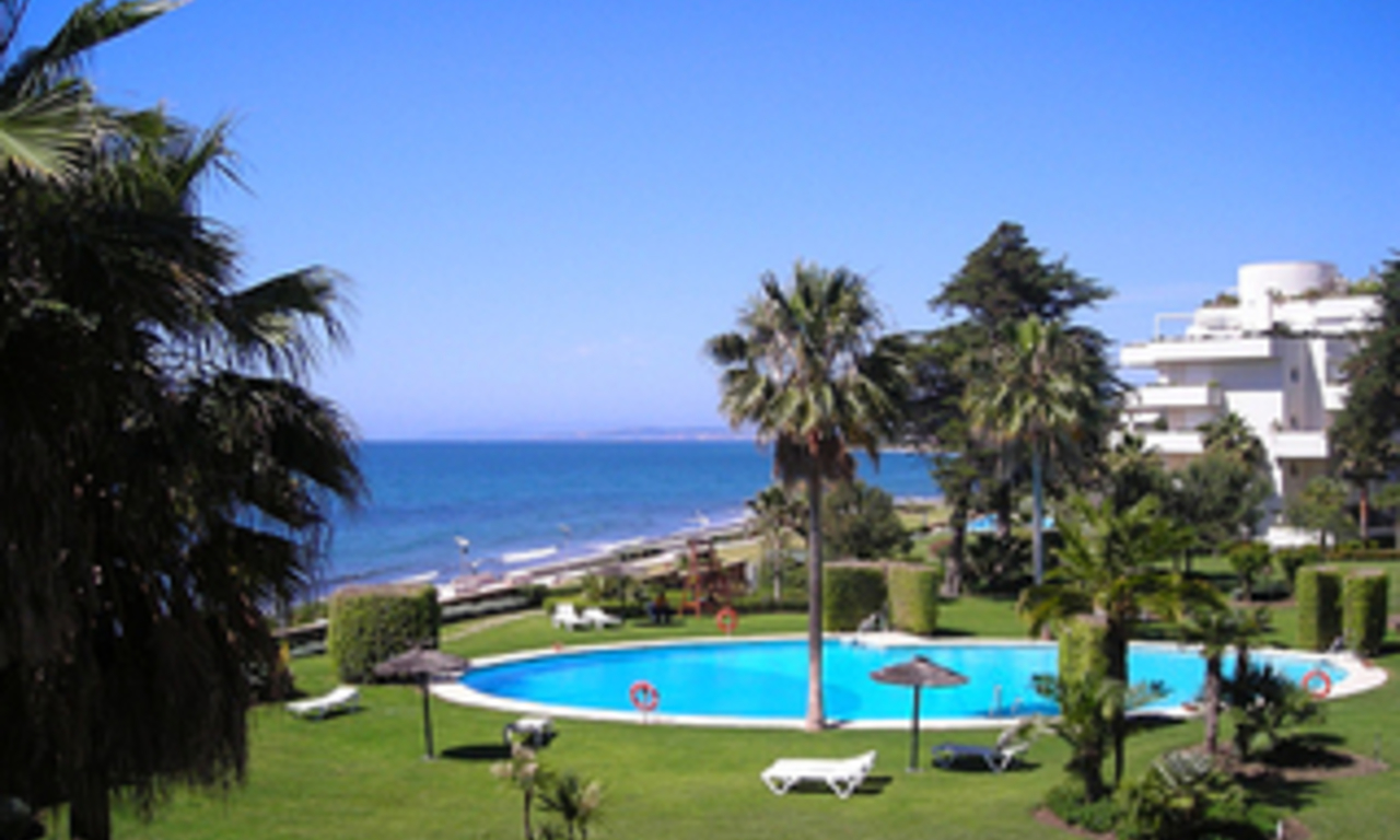 Frontline beach appartement te koop, eerste lijn strand, beachfront / first line beach, Marbella - Estepona. 1