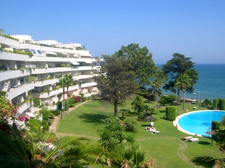 Frontline beach koop penthouse appartement, Sea and beachfront complex, eerste lijn strand, New Golden Mile, Marbella - Estepona.