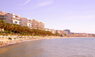 Beachfront appartement te koop, Marbella centrum 0