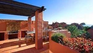 Bargain Beachfront Penthouse appartement te koop, New Golden Mile, Marbella - Estepona.