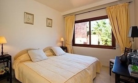 Bargain Beachfront Penthouse appartement te koop, New Golden Mile, Marbella - Estepona. 11