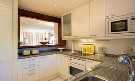 Bargain Beachfront Penthouse appartement te koop, New Golden Mile, Marbella - Estepona. 7