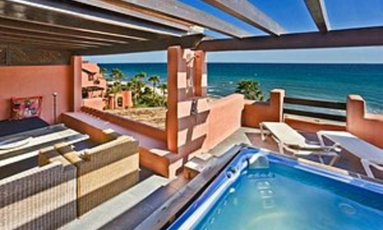 Estepona for sale: Frontline beach Penthouse appartement te koop, New Golden Mile, Marbella - Estepona 1