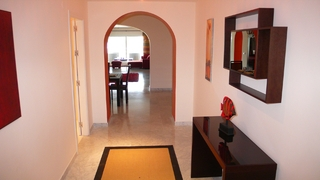 Beachfront luxe appartement te koop in Puerto Banus – Marbella 3