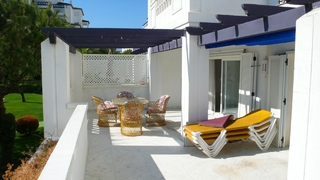 Beachfront luxe appartement te koop in Puerto Banus – Marbella 2