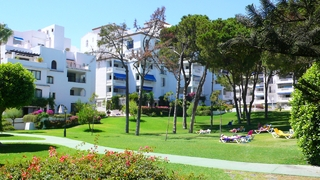 Beachfront luxe appartement te koop in Puerto Banus – Marbella 20