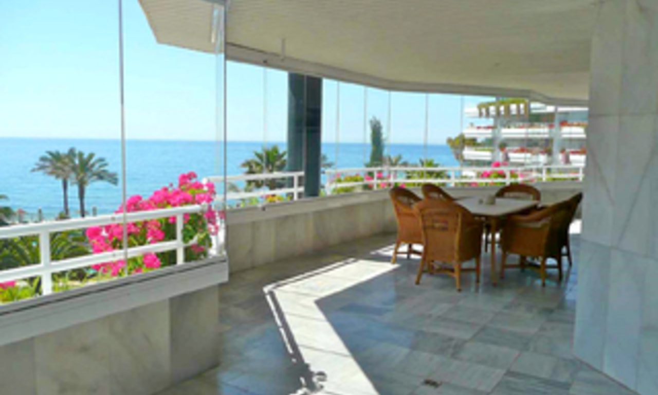 Beachfront appartement te koop, Golden Mile, Puerto Banus - Marbella 1