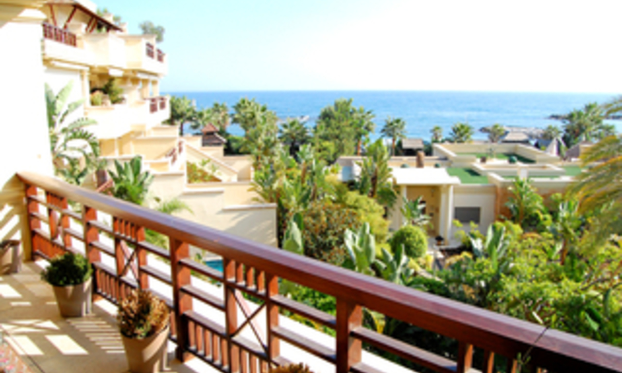 Luxe beachfront appartement te koop in Puerto Banus - Marbella 6