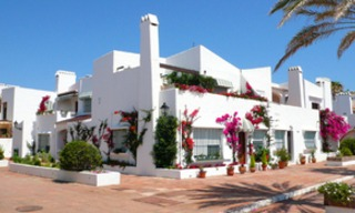 Beachfront penthouse appartement te koop in La Duquesa, Costa del Sol, Spanje. 21
