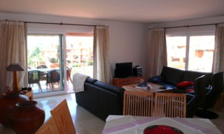 Beachfront penthouse appartement te koop in La Duquesa, Costa del Sol, Spanje. 10