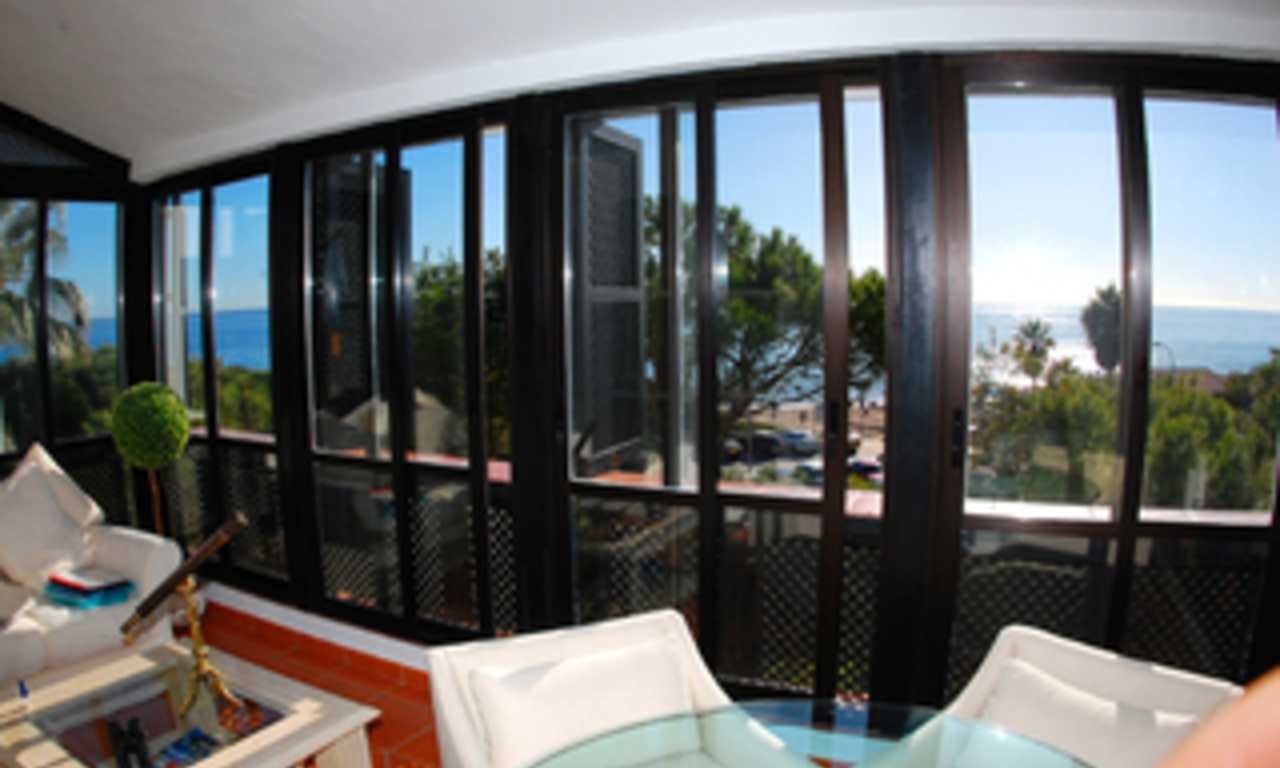 Beachfront penthouse appartement te koop in Elviria, East Marbella 6