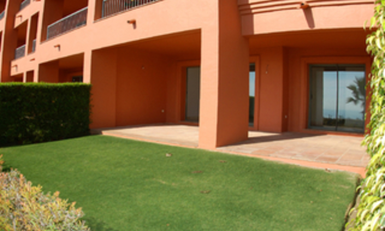 Luxe appartement te koop, Golf resort, Marbella - Benahavis - Estepona 0
