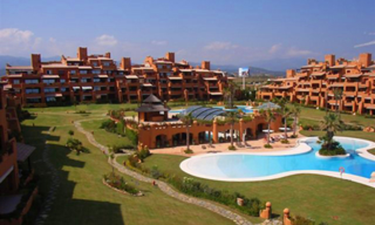 Beachfront luxe penthouse appartement te koop, New Golden Mile, Marbella - Estepona 11