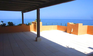 Beachfront luxe penthouse appartement te koop, New Golden Mile, Marbella - Estepona 3