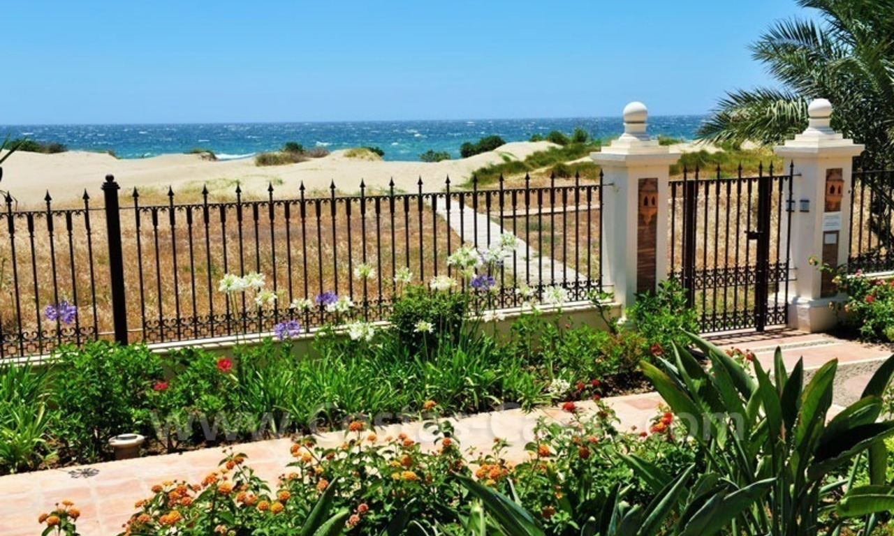 Marbella for sale: Spoedverkoop Luxe appartement Los Monteros playa 0