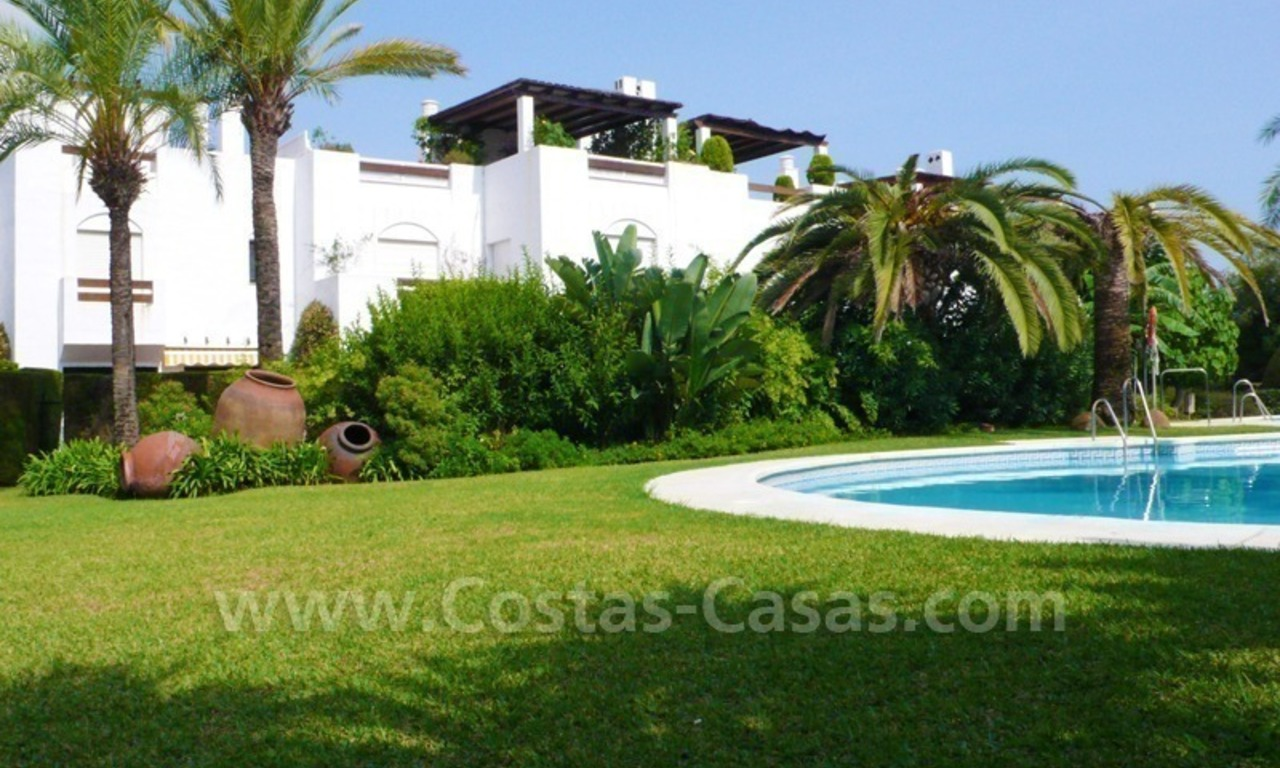 Beachside townhouse te koop in Marbella 1