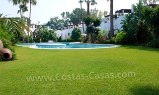 Beachside townhouse te koop in Marbella 0