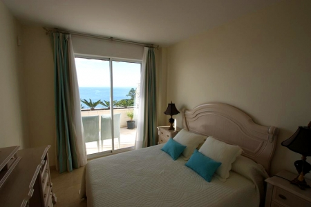 Estepona New Golden Mile: beachfront penthouse te koop 6