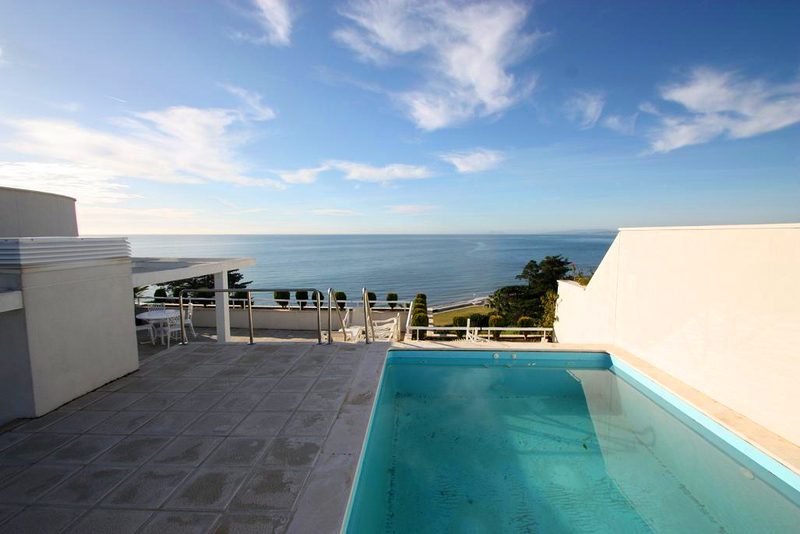 Estepona New Golden Mile: beachfront penthouse te koop