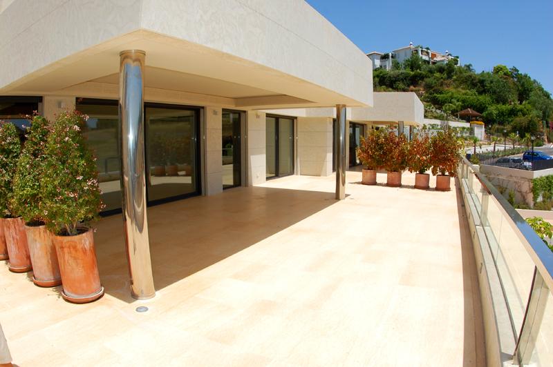 Modern nieuw luxe appartement te koop nueva andalucia marbella - Modern appartement modern appartement ...