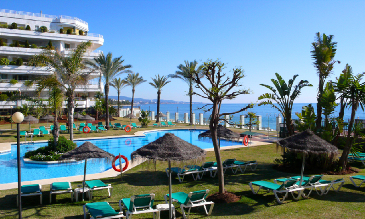 Beachfront appartement te koop, Golden Mile, Marbella 1