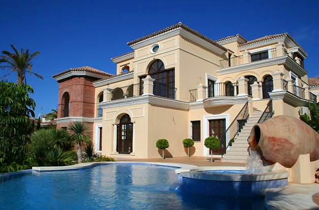 Marbella benahavis for sale luxe villa te koop for Koop huizen