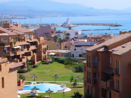 Appartement en penthouse te koop, beachfront La Duquesa, Costa del Sol 3
