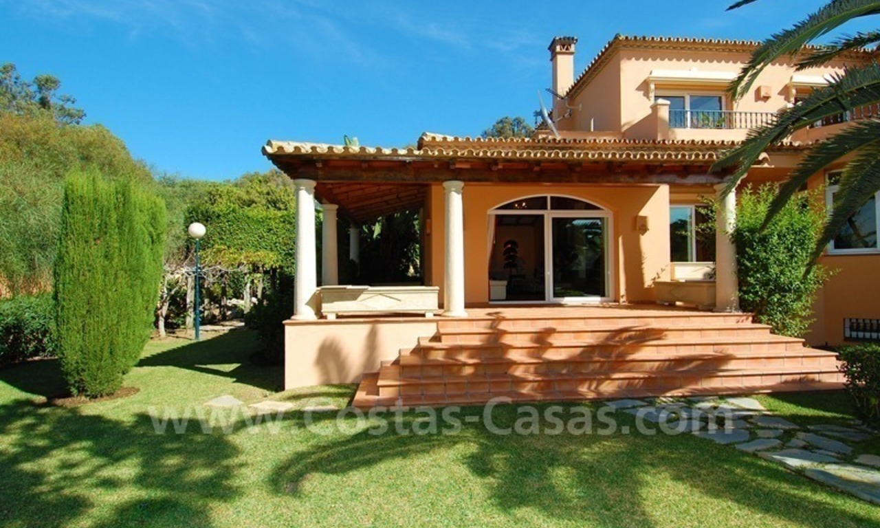 Beachside villa te koop in Elviria, Marbella 7