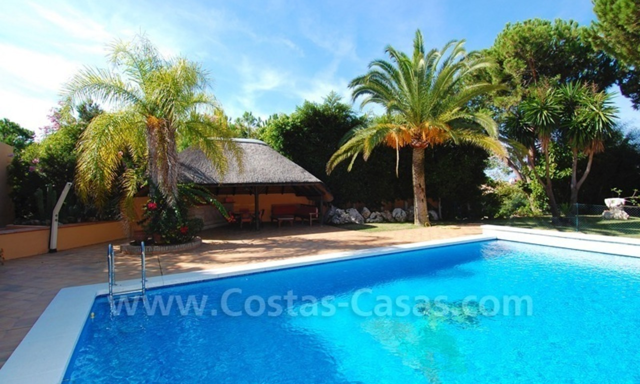 Beachside villa te koop in Elviria, Marbella 4