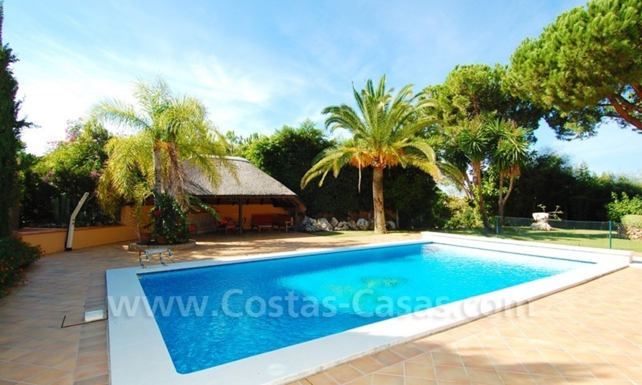 Beachside villa te koop in Elviria, Marbella 5