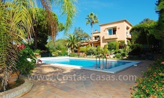 Beachside villa te koop in Elviria, Marbella 2