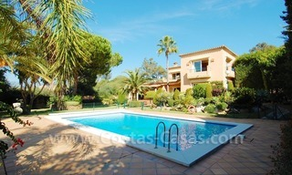 Beachside villa te koop in Elviria, Marbella 1