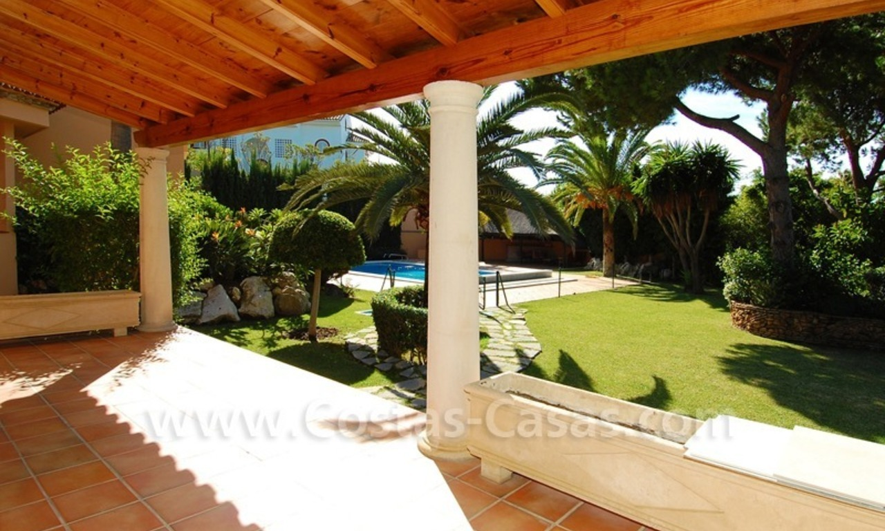 Beachside villa te koop in Elviria, Marbella 8
