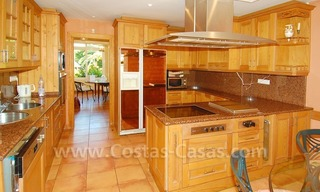 Beachside villa te koop in Elviria, Marbella 13