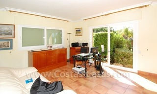 Beachside villa te koop in Elviria, Marbella 14