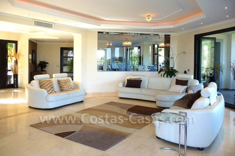Moderne luxe villa te koop frontline golf in golfresort, Benahavu00eds ...