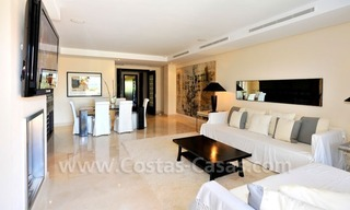 Luxe beachfront appartement te koop in Malibu, Puerto Banus, Marbella 13