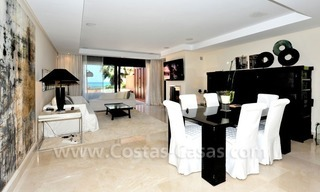 Luxe beachfront appartement te koop in Malibu, Puerto Banus, Marbella 11