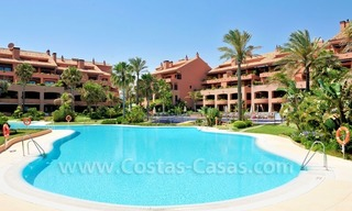Luxe beachfront appartement te koop in Malibu, Puerto Banus, Marbella 19