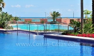 Luxe beachfront appartement te koop in Malibu, Puerto Banus, Marbella 25